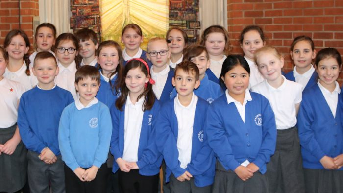 Local Primary School supports Rowcroft Hospice